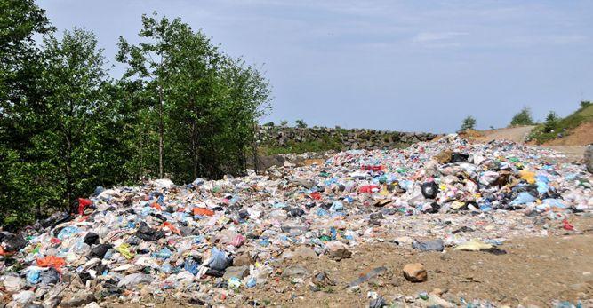 Karadeniz Sahil Yolu'nu Çöp Deposu Yaptılar